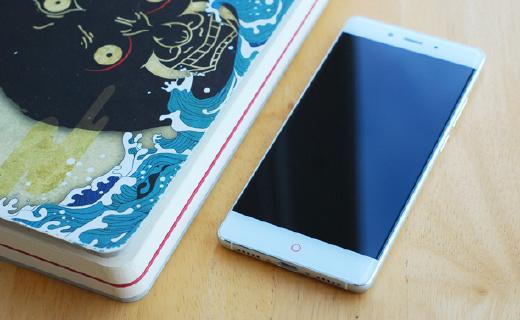 """让其他""""无边框""""手机蒙羞的nubia Z11,拍照还是个黑科技"""