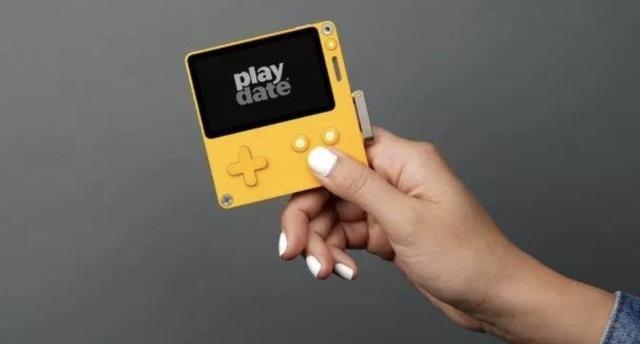 「新东西」手摇玩游戏?Panic发布掌上游戏机,这造型似曾相识……