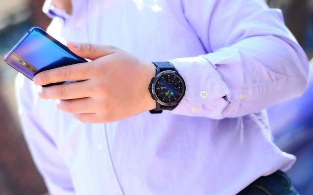 Jeep智能手表?#32791;行?#33655;尔蒙爆棚,配置封顶的它到底有啥优缺点