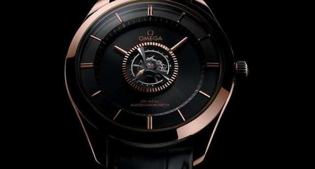 """歐米茄推出新款""""中央陀飛輪""""腕表,售價高達131萬元"""