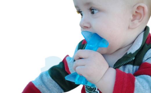 Baby Banana鯊魚款牙咬膠:安全健康硅膠,柔軟凸起磨牙更舒適