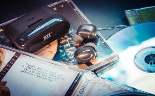 """千元水准,百元售价,JEET AIR这条""""黑科技""""蓝?#34013;?#26426;"""