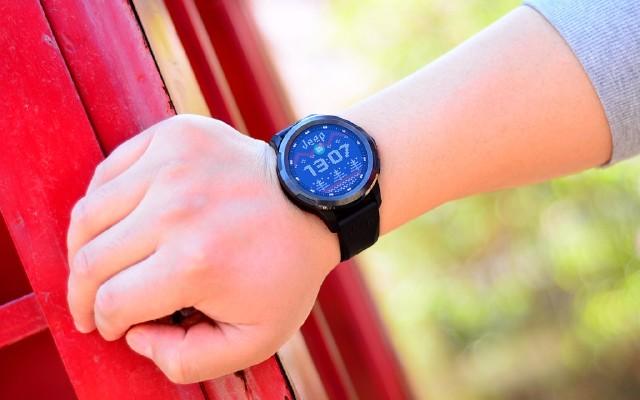 一款脫離手機使用的手表,Jeep智能全境界腕表,4G全網通