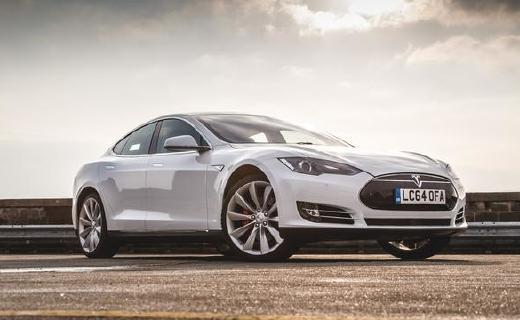 中国制造Model 3长续航版即将交付,消息称特斯拉将继续降价