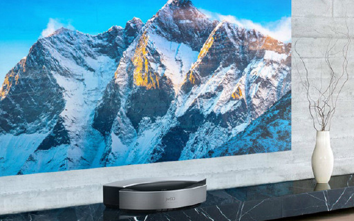 堅果超短焦投影電視,小房間也能看300吋大屏!