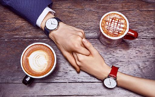 魅族首款智能手表,240天超长续航
