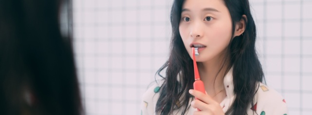 """「体验」刷牙这件""""小""""事:高颜值XESS光波双净智能牙刷,让刷牙都变得有仪式感"""