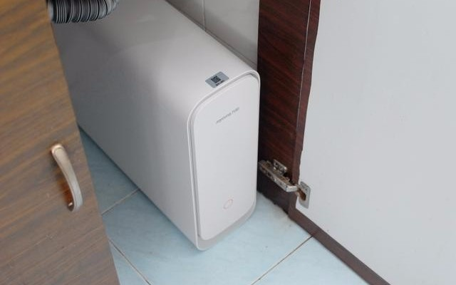 RO反滲技術,鮮活直飲健康用水:九陽除重金屬抑菌凈水器R7s
