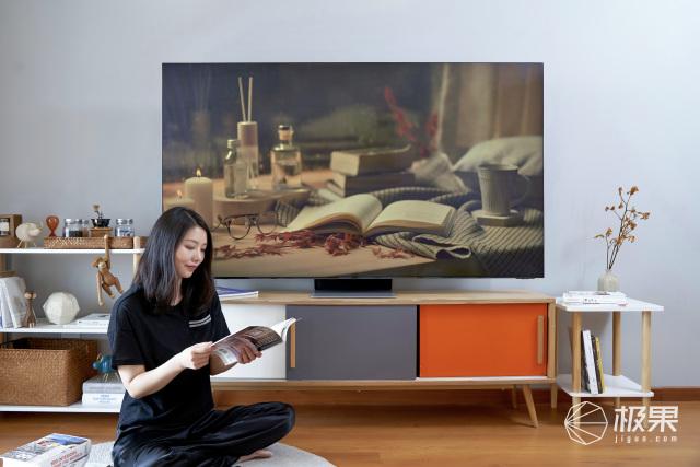 征服明星设计师的神仙电视:薄如蝉翼的极致美学,让灵感一触而发