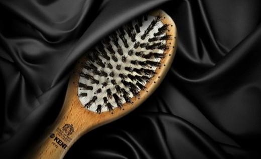 肯特猪鬃按摩梳:纯手工打造,顺发护发还能按摩