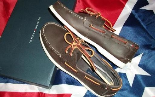 Tommy Hilfiger Bono男士船鞋:浓郁美式混搭风格,100%真皮鞋面