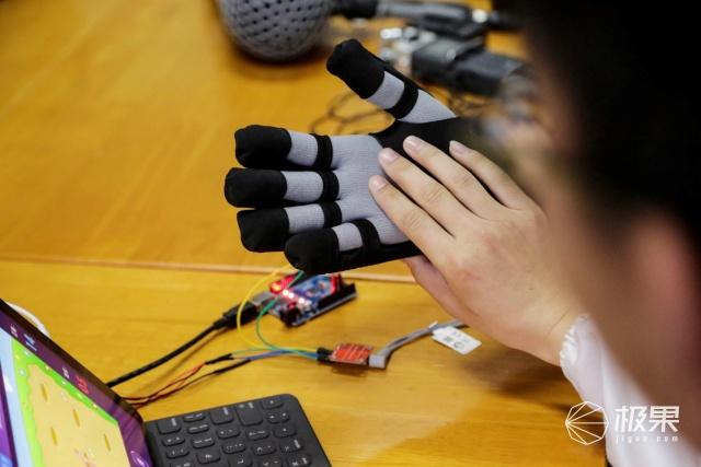 戴森设计大赛冠军公布!手功能康复软体机器人:重燃中风患者手功能康复希望!