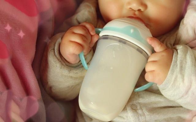 美國Nuby新款防脹氣奶瓶,讓寶寶更愛喝奶 | 視頻