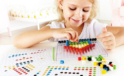 Hape兒童像素畫:充分開發邏輯能力,培養創造性