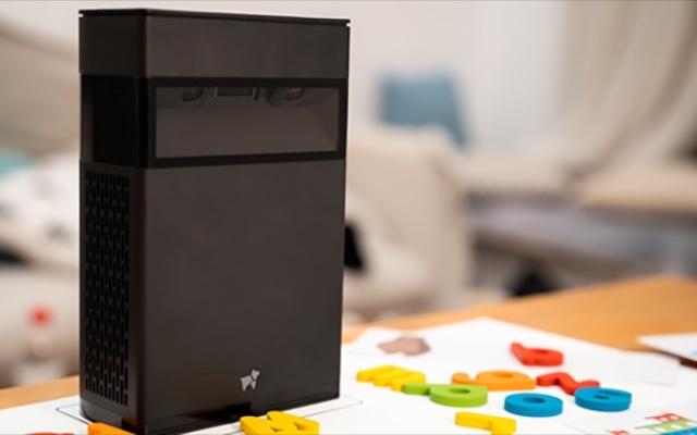 畫面能觸摸,桌面、墻面都可投:這件黑科技能上網課還能教健身~