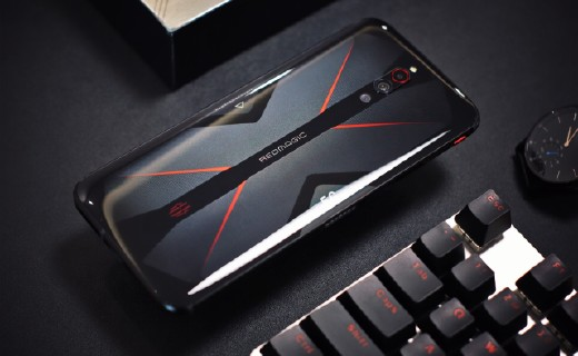 「体验」极致性能的游戏手机:144Hz主机极刷新率,活久见的PC级散热!