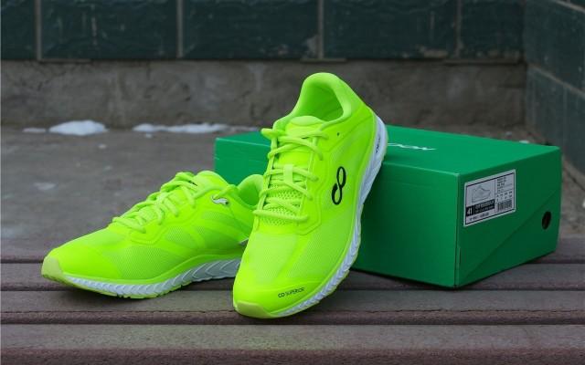 馬拉松PB怎么跑咕咚智能跑鞋42K競速版來助力