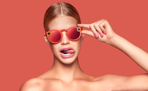 Spectacles智能眼镜,造型搞怪的网?#28822;?#22120;
