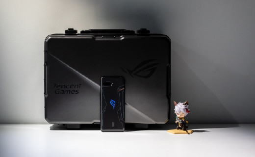 「動手玩」地表最強!ROG游戲手機2評測:120Hz絲般順滑,大廠游戲深度定制