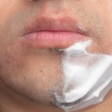 手动剃须刀比电动更?#21024;唬?#19968;张脸上六种剃须方式来对比一下