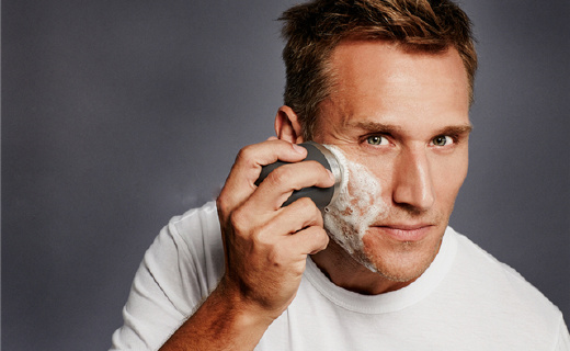 专为男士设计的洗脸刷,比手洗?#21024;?#20845;倍!