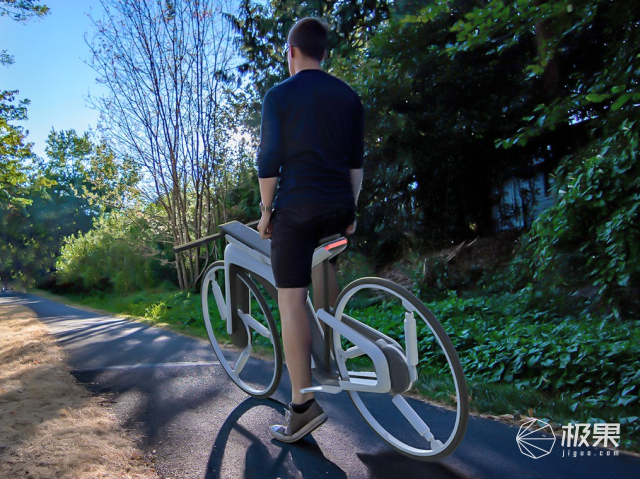 自行车也用上自动驾驶!特斯拉概念自行车曝光,设计师脑洞太大