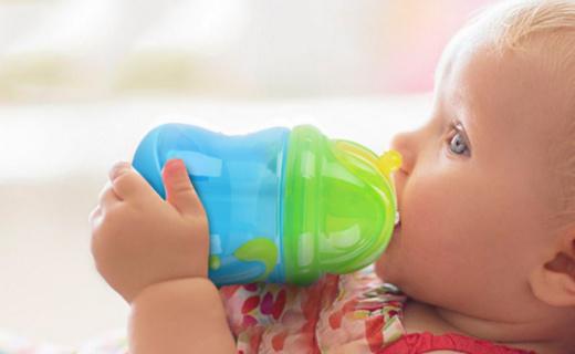 努比雙耳學飲杯:安全無毒材質,防漏吸管放心飲水