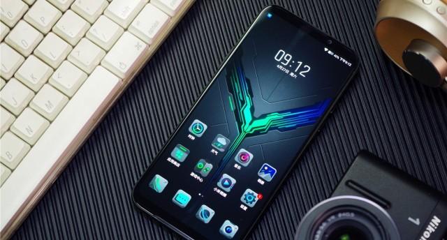 不将就的电竞旗舰:黑鲨2游戏手机全方位测评