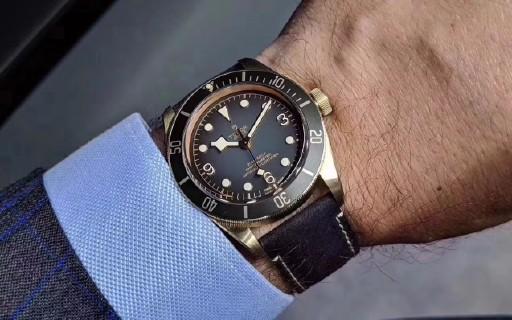歲月洗禮現滄桑,品鑒XF帝舵碧灣青銅型全新小鋼盾腕表!