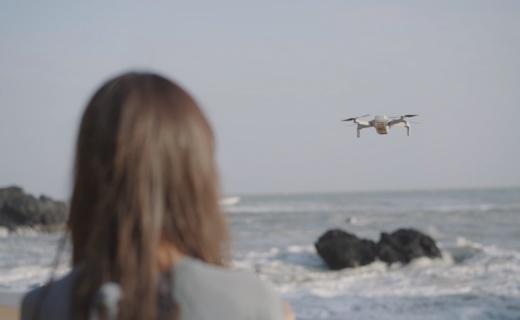 「體驗」小巧便攜輕松放入口袋!操作簡單,女朋友輕松玩轉的無人機!
