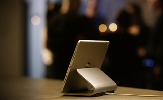 罗技iPad Pro专用支架,磁性底座无线充电