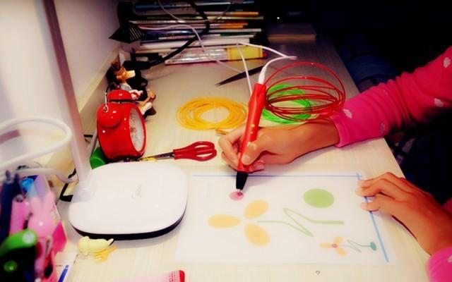 小孩子專屬3D打印畫筆,邊畫畫邊培養立體感 — 樂創三維3D打印筆體驗 | 視頻