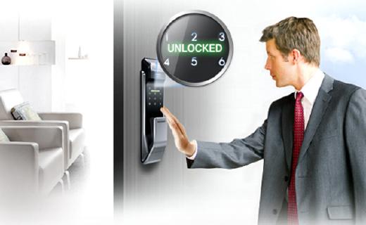 三星P718指纹电子锁:三重安全设计,外出自动反锁超安全