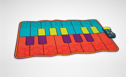 B.toys兒童跳舞毯:跟隨動物聲音互動,邊跳邊培養樂感