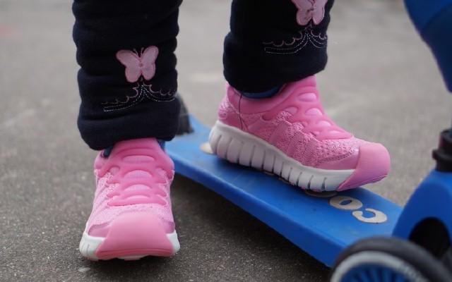 FREETIE儿童运动鞋,小朋友的第一双运动鞋?