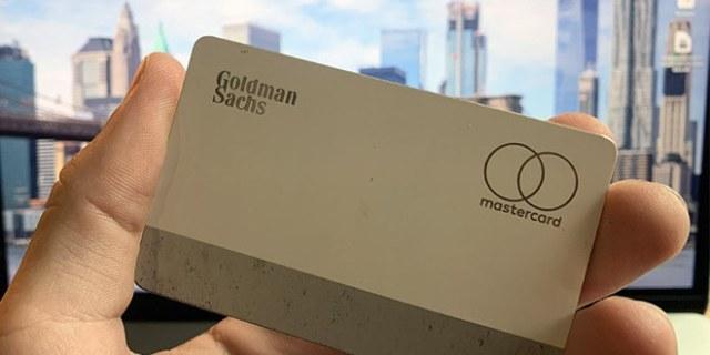 「事兒」用戶報告Apple Card出現掉漆狀況