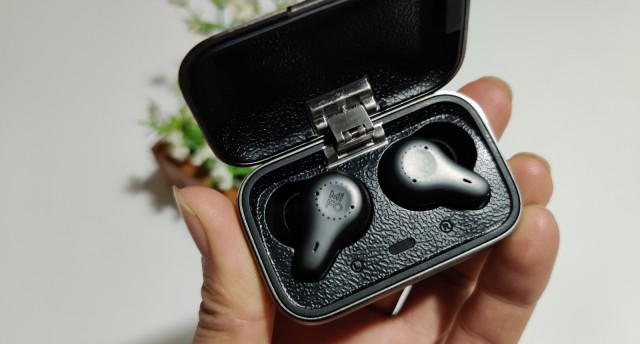 还花巨款买AirPods Pro?双动铁降噪耳机mifo O