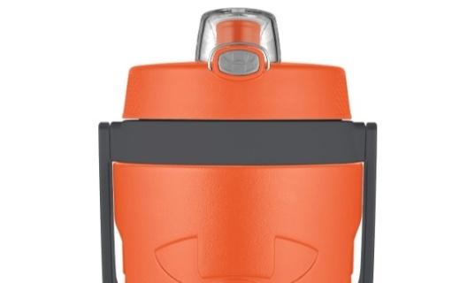 安德瑪保冷水壺:時尚造型超大容量,健康材質長效保冷