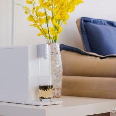 換掉你家的電熱水壺吧,智能即熱飲水吧更適合你