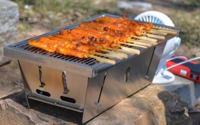 原來燒烤沒那么麻煩,帶上早風便攜燒烤爐找個地方就好啦