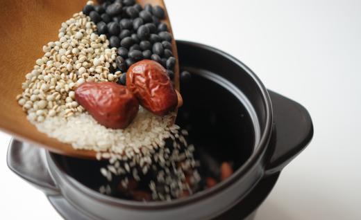 古法陶土炊火飯,讓好米飯會說話的黑樂米鍋