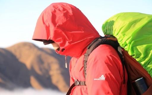 防水、防風、輕量化的westcomb沖鋒衣助我尋找遺落在人間