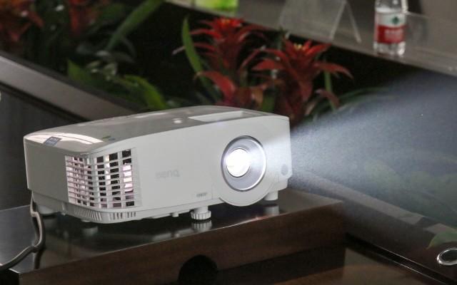 明基E580投影仪——你的办公室新星
