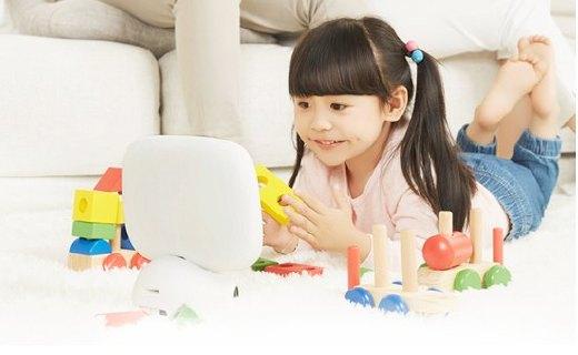 糖貓在家智能機器人:實時查看孩子情況,安全、學習一機搞定