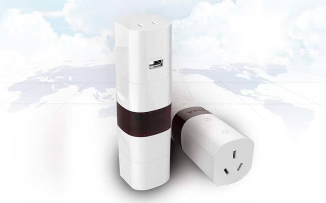 公牛 带USB多国旅行转换器