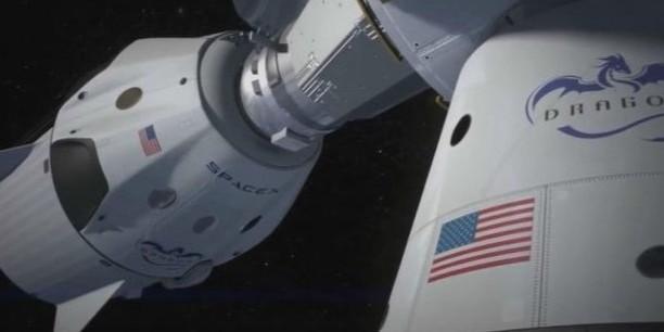 """马斯克飞船上天成功,单挑""""国家?#21360;保?800万一位把NASA香哭了!"""