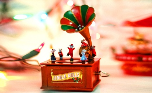 Mr.Christmas留声机音乐盒:搞怪可爱的复古造型,纯手工制作