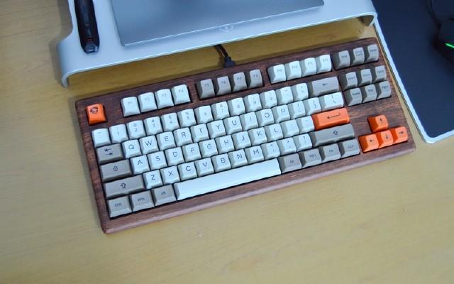 量产的客制化键盘:Akko Rosewood 87花梨木机械
