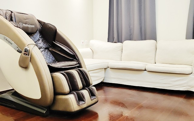 CMO走心安利:熬夜加班壓力大,這臺按摩椅讓你舒服到睡著!