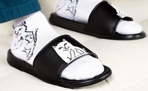 """穿上這雙""""賤貓""""拖鞋,優雅的對生活豎個中指"""
